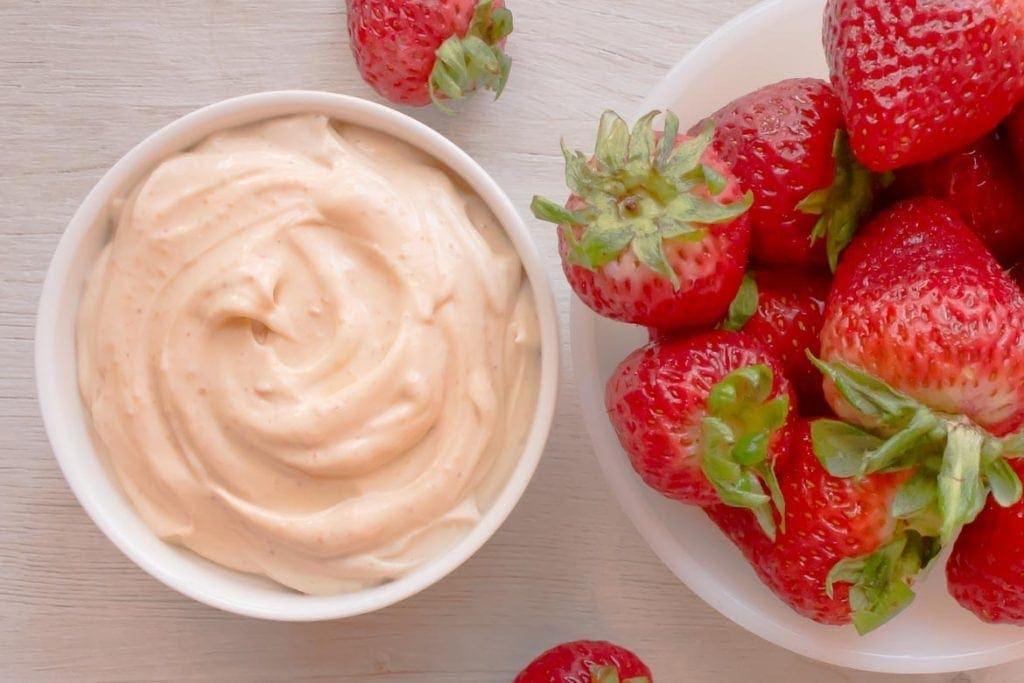 Easy Greek yogurt dessert dip