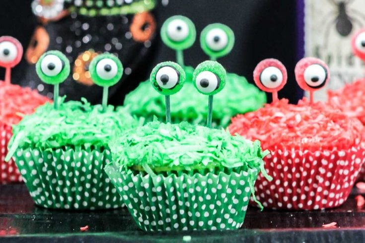 Easy Alien Cupcakes with Stalk Eyes