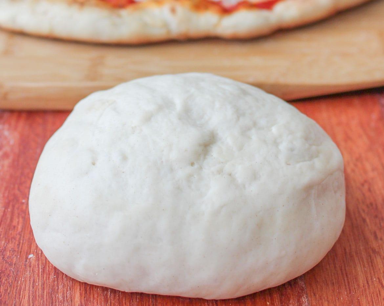 Rustic pizza dough