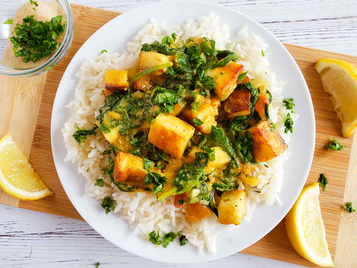 HelloFresh spinach and paneer with fragrant cilantro basmati rice plated