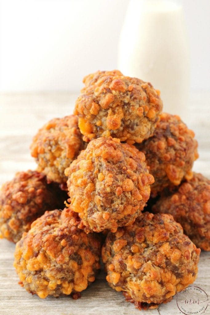 Spicy Keto Sausage Balls from Moscato Mom