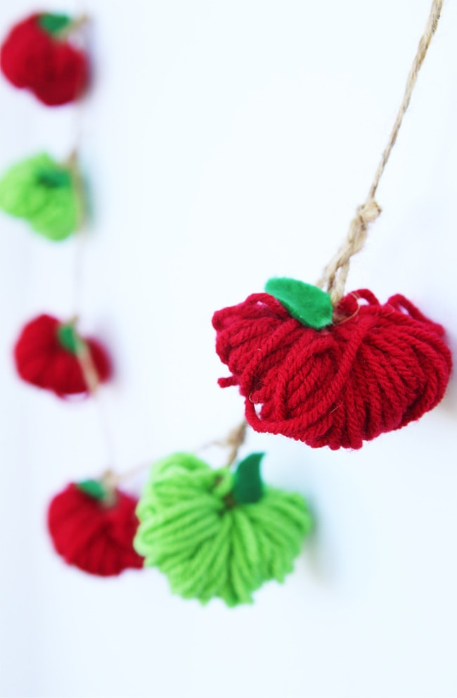 yarn apple garland craft
