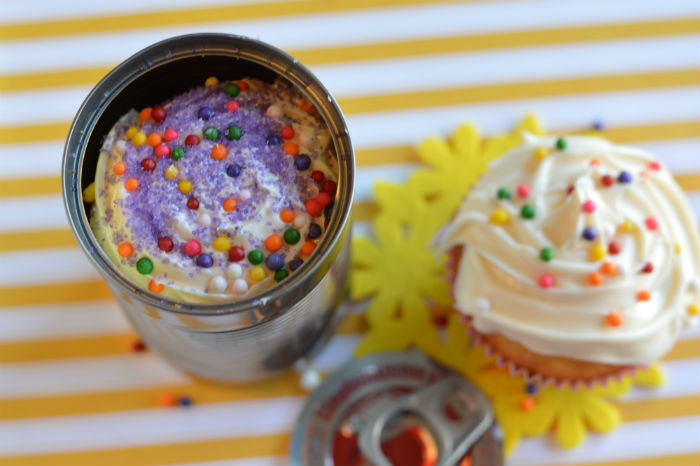 Cupcake in a Can Cupcake and lid