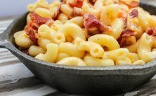 Easy Skillet Beer Bacon Mac and Cheese up close