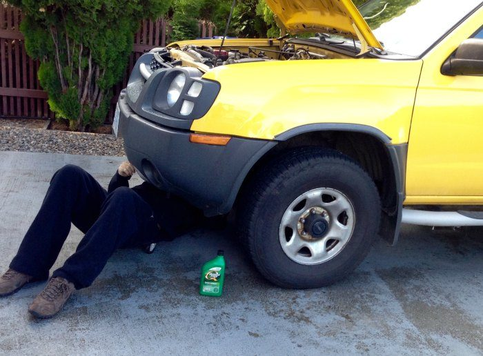 How to change your own oil under car