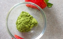 Matcha powder and strawberries for a Green Tea Matcha Berry Smoothie