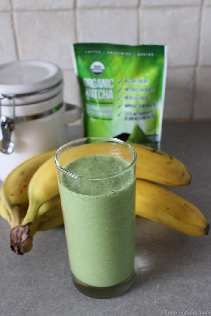 Kiss Me Organics Matcha Green Tea and Banana Smoothie