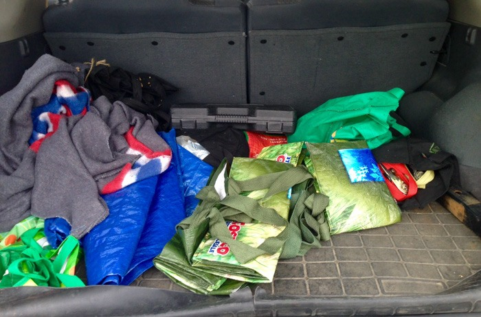 Our messy trunk - Organizing our Car with Canadian Tire