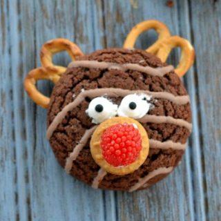 Easy No Bake Reindeer Cookies With Pretzel Antlers