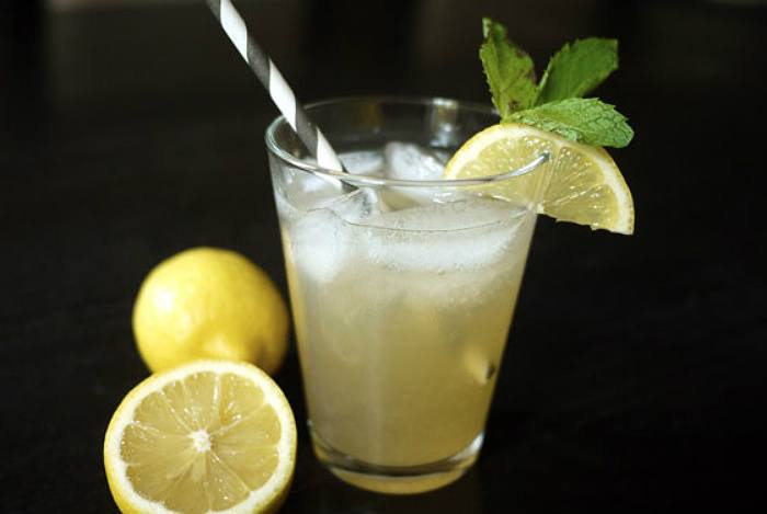 Starbucks Copycat Green Tea Lemonade by One Hungry Mom
