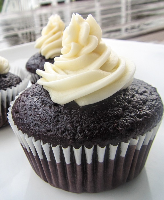 Never Fail Rich and Moist Chocolate Cupcakes