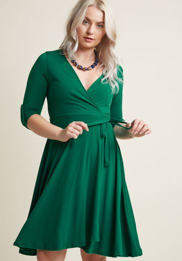 15 Flattering Summer Dresses For A Big Bust And Tummy That